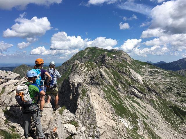 Klettersteig Für Anfänger : Über den friedberger klettersteig auf die rote flüh